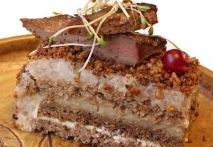Karu Kadri praadileevätort «Tsiga hää!» sai 2014. aastal Nami-Nami söögiportaali esämaaliidsi tortõ võistlusõl kõgõ parõmba sooladsõ tordi preemiä.