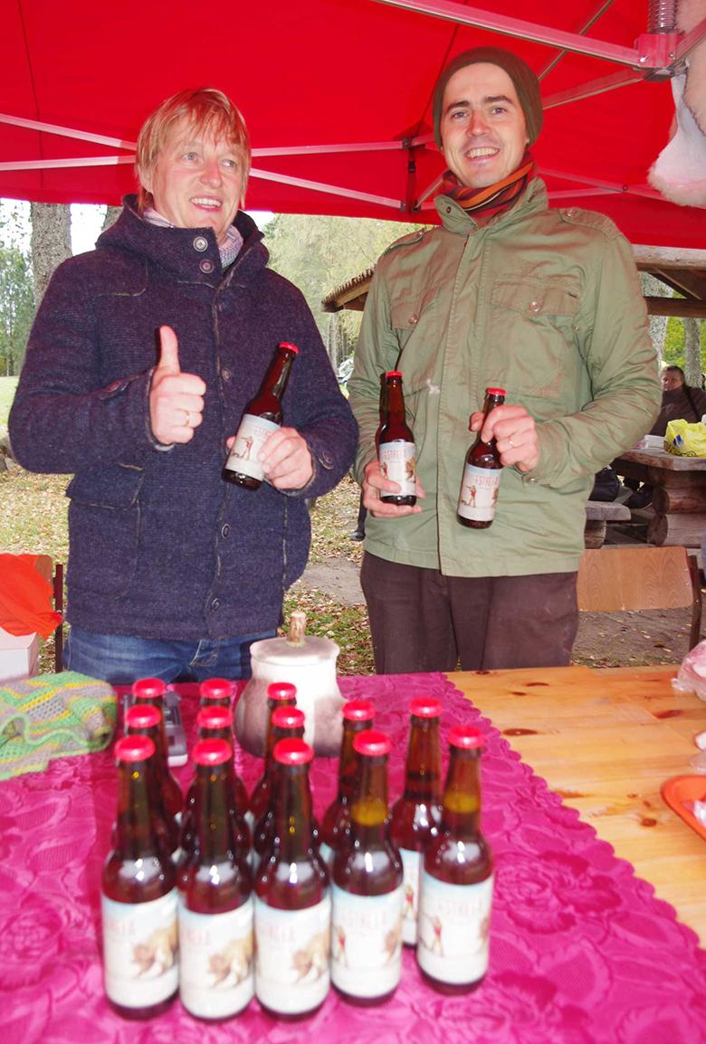Epleri Rain (kural) ja Soonõ Mihkli paki Sulbi mihklilaada pääl vahtsõt ollõsorti nimega Estrefä ja visassi villast, et taa passis Eesti presidendivalimiisi ammõtligus ollõs.